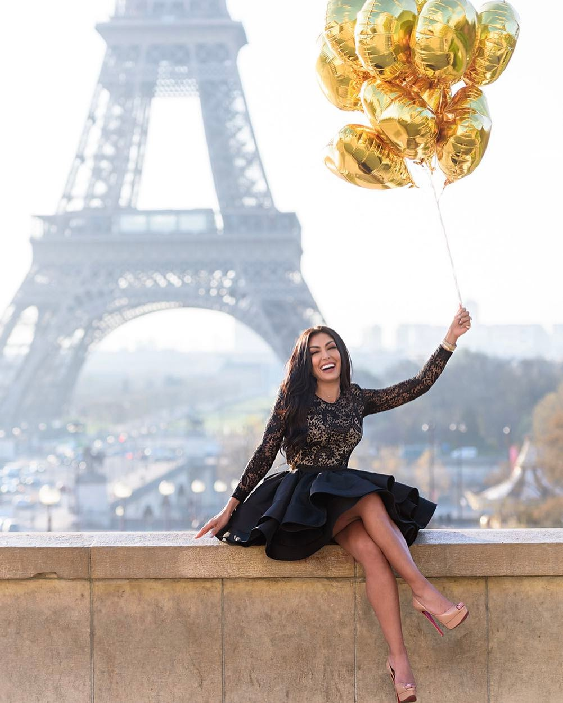 Hoda Mode - Hoda Hajirnia happy in Paris, France - Eiffel Tower